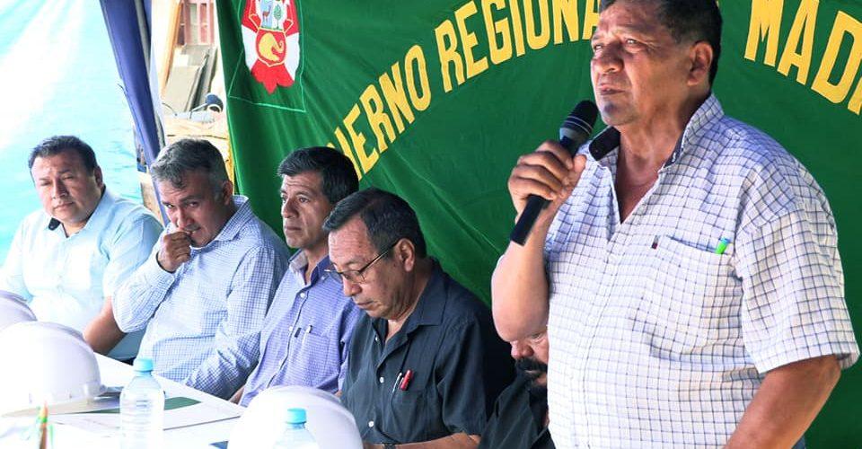 GOBERNADOR LUIS HIDALGO, PUSO EN MARCHA CONSTRUCCIÓN DE IMPORTANTE OBRA QUE BENEFICIARA A LOS AGRICULTORES DE LA ZONA Y POBLACIÓN EN GENERAL