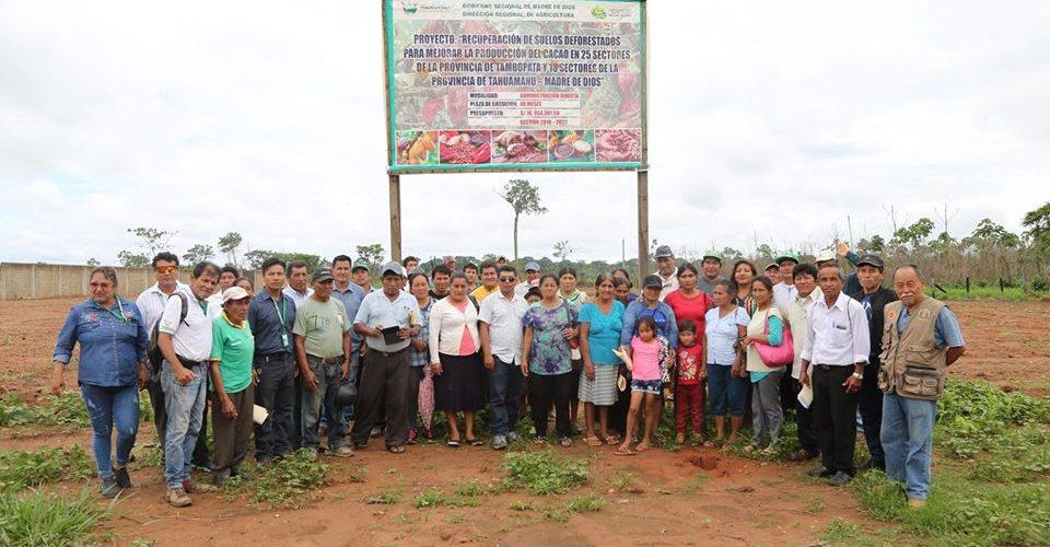 CON ASISTENCIA DE AUTORIDADES DE TAHUAMANU, LA DRA LLEVÓ ADELANTE CICLO DE ORIENTACIÓN DIRIGIDO A LOS AGRICULTORES BRENEFICIARIOS DEL PROYECTO CACAO.