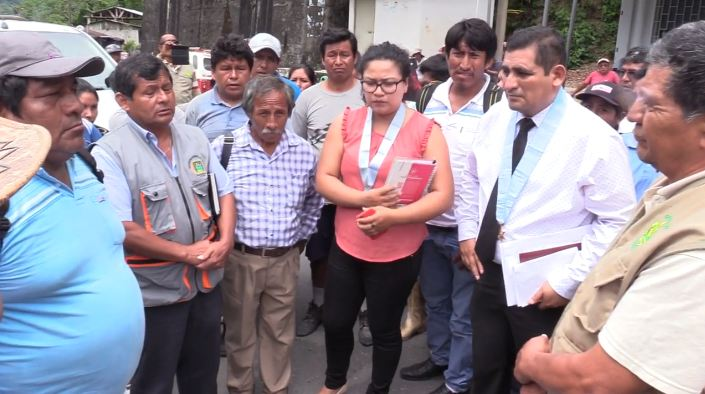 Director Regional de Agricultura, Ing. Julio Ruíz, junto al asesor legal de la DRA