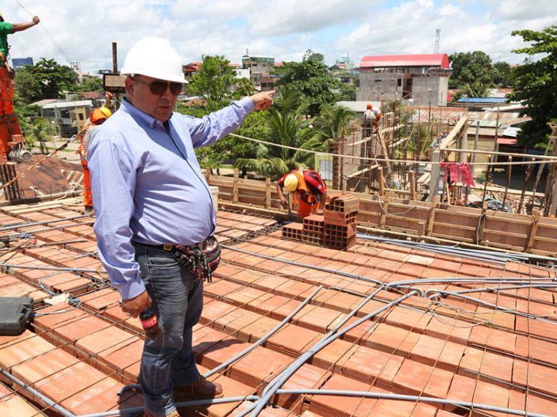 EL GOBIERNO REGIONAL A TRAVÉS DE LA DRA. AVANZA CONSTRUCCIÓN DE NUEVA INFRAESTRUCTURA PARA LA DIRECCIÓN DE SANEAMIENTO.