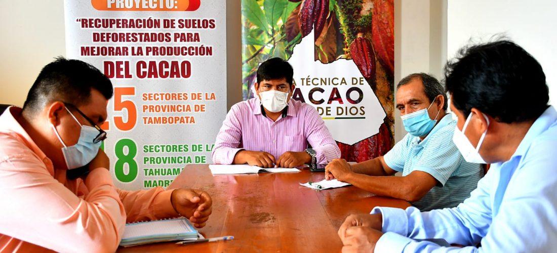 DRA Y MESA TÉCNICA DE CACAO DE MADRE DE DIOS ARTICULAN ESFUERZOS PARA MEJORAR LA PRODUCCIÓN DEL CACAO.
