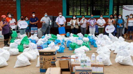 Importante ayuda social entregó el gobernador regional Luis Hidalgo, a familias agrarias de Infierno y Cascajal.
